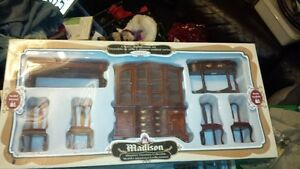 Solid wood miniature victorian dollhouse furniture Cambridge Kitchener Area image 3