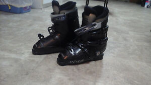 Great condition Lange ski boots London Ontario image 1