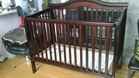 Crib for sale DELIVERY INCLUDED