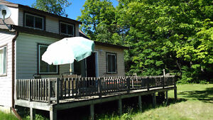 Winterized Muskoka Cottage for sale near Huntsville