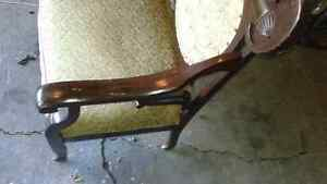Antique love seat  all original    hand carved Sarnia Sarnia Area image 2