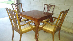 Dining Furniture Table with 4 Chairs HENREDON