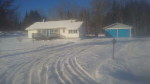 Bungalow with deep well for sale Northwestern ON (Dinorwic, ON)