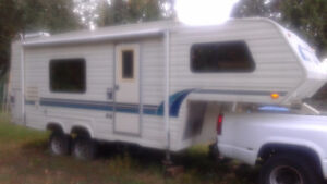 Large camper / travel trailer comes with towing vehicle