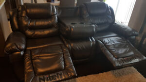 Reclining Sofa with Drop-Down Cup Holder