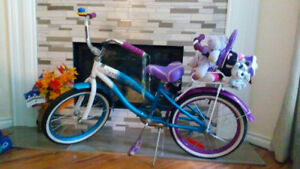 Journey Girls Bike ages 5,6,7,8. Excellent condition