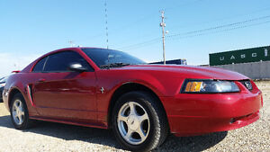 2001 Ford Mustang Coupe (2 door) --3.8L V6--AUTO--DRIVES AMAZING