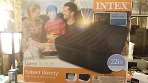 intex queen sz air mattress