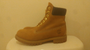 Timberland 6 inch boot size 9.5