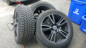4 Winter tires and alloy rims