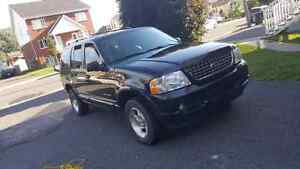 Ford Explorer Limited AdvanceTrac