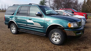 1997 Ford Expedition XLT 4X4 SUV, Crossover