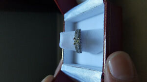 Lady's 14kt gold diamond ring Kitchener / Waterloo Kitchener Area image 3