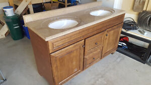 Double vanity with quartz top