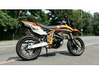 Sinnis Apache SMR 125cc supermoto EFI learner legal 125 motorcycle motorbike