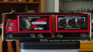 ReducedNylint Metal Briggs & Stratton Tandem Delivery Rig In Box