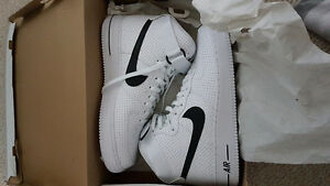 NIKE AIR FORCE 1 '07 BRAND NEW SIZE 10