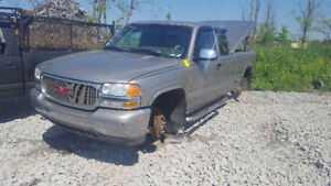 2002 SIERRA P/UP.. JUST IN FOR PARTS AT PIC N SAVE! WELLAND