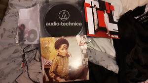 Usb Turntable Audio-Technica AT-LP60-USB and 2 albums