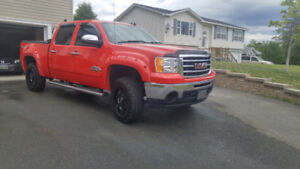 2012 GMC SIERRA VERY CLEAN TRUCK