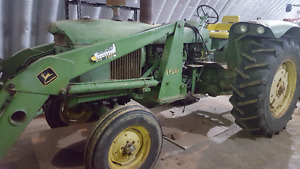 John Deere 4020 tractor with 158 Loader