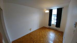 Chambre à louer, non-meublée, métro Lasalle, 550$/mois