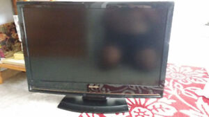 LCD TV 32 inches with DVD inside TV Sylvania   xxx