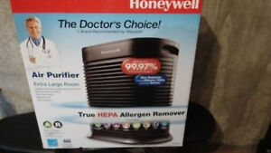 air purifier Honeywell/purificateur d'air