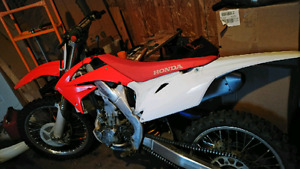 Crf250r 2011 injection Top shape.