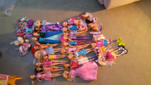 Barbie dolls and accessoires