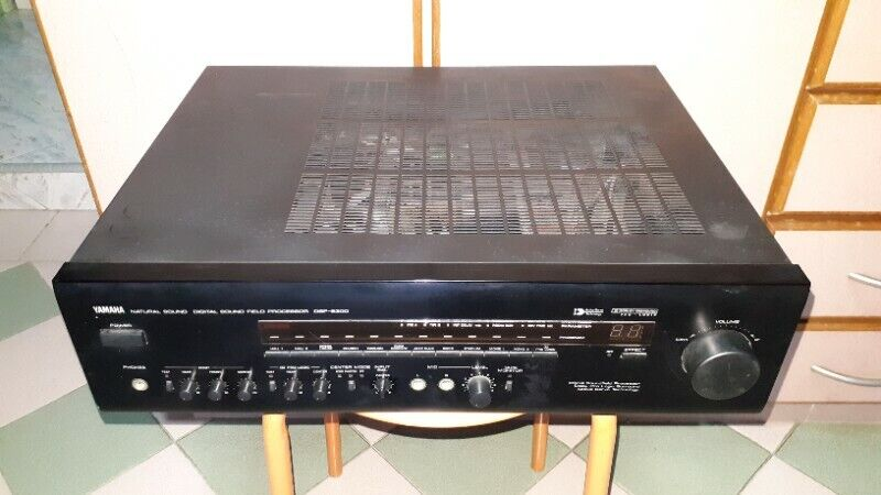 NATURAL QUALITY SOUNDS OF YAMAHA DSP-E300 AMPLIFIER / PRE-AMP MADE IN JAPAN.
