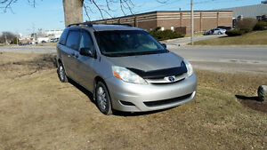 06 Toyota Sienna E-tested Certified Mint cond Serviced @ Dealer!