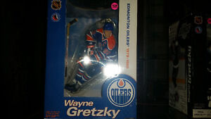 12 INCH WAYNE GRETZKY McFARLANE BRAND NEW IN THE BOX!!! London Ontario image 2