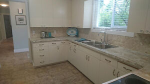 OCEAN VIEW home + HUGE SHOP; 2 MINUTES TO BEACH Campbell River Comox Valley Area image 4