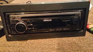Very nice Kenwood Bluetooth kdc-bt852Hd
