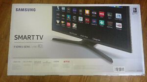 BNIB Samsung 40 Inch TV Smart TV