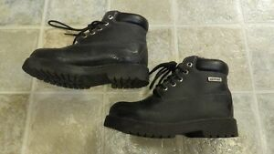 Boys Waterproof High Top Faux Leather Shoes Size 1.5 Strathcona County Edmonton Area image 2