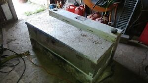 100 Gallon L shape fuel tank toolbox and 16k fifth wheel