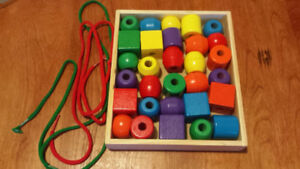 Melissa & Doug Lacing Beads- Great Condition