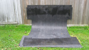 RUBBER MAT FOR BOX OF PICKUP TRUCK
