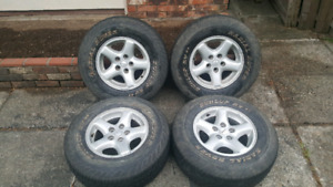 Jeep wheels with tires5x114.3 or 5x4.5