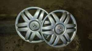 "set of 2 Toyota 15"" hub caps"