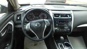 13 Altima S - auto - 4dr - LOADED - MAGS - A/C - ONLY 20,000KMS Edmonton Edmonton Area image 7