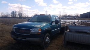 2002 GMC 3500 duramax  chassis flat bed dually Oppen to offers