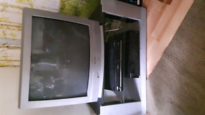 28 inch tv and Stand for Sale with remote