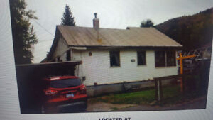 **Still Availiable**   2 bdrm up 1 down in Fruitvale