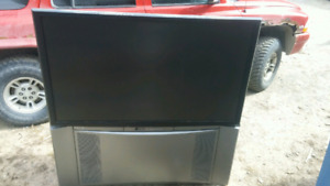 55 inch Hitachi tv fox or for parts with remote