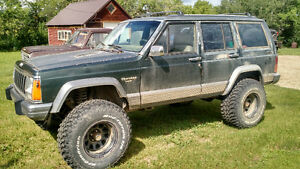 LIFTED '92 Jeep Cherokee