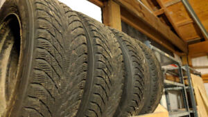 195 65r15 Nokian Hakkapeliitta R2 winter tires on 5x100 steelies