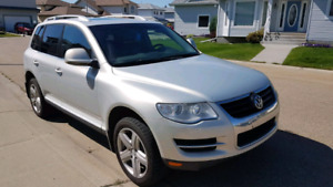 BEST PRICED! LOADED 2009 VW TOUAREG
